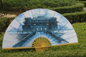 drawing-hand-fan-big-1